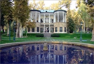 افتتاح نمایشگاه فرش شفقی تبریز در تالار آبی کاخ نیاوران